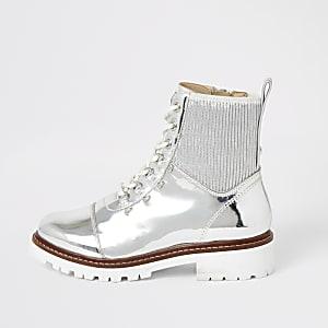 Zilvermetallic wandelaars enkellaarsjes met vetersluiting