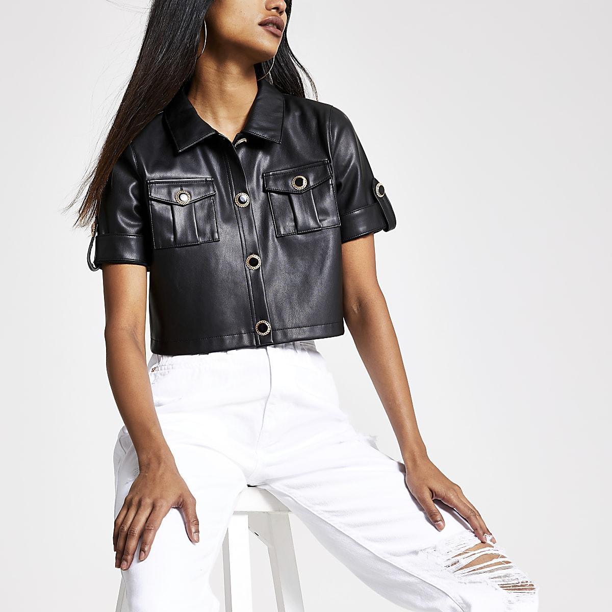 RI Petite - Zwart imitatieleren cropped overhemd