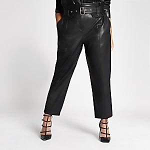 RI Plus - Zwarte ingesnoerde broek met ceintuur van PU