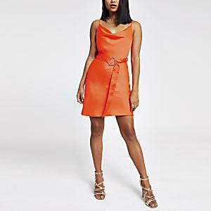 Petite – Robe orange à col bénitier et ceinture
