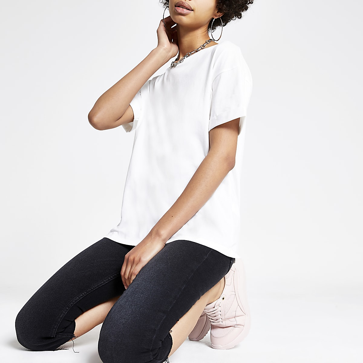 White rolled up sleeve T-shirt
