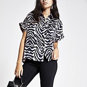 Rosa Hemd mit Zebra-Print