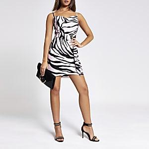 Pinkes Kleid mit Zebramuster, Wasserfallkragen und Gürtel