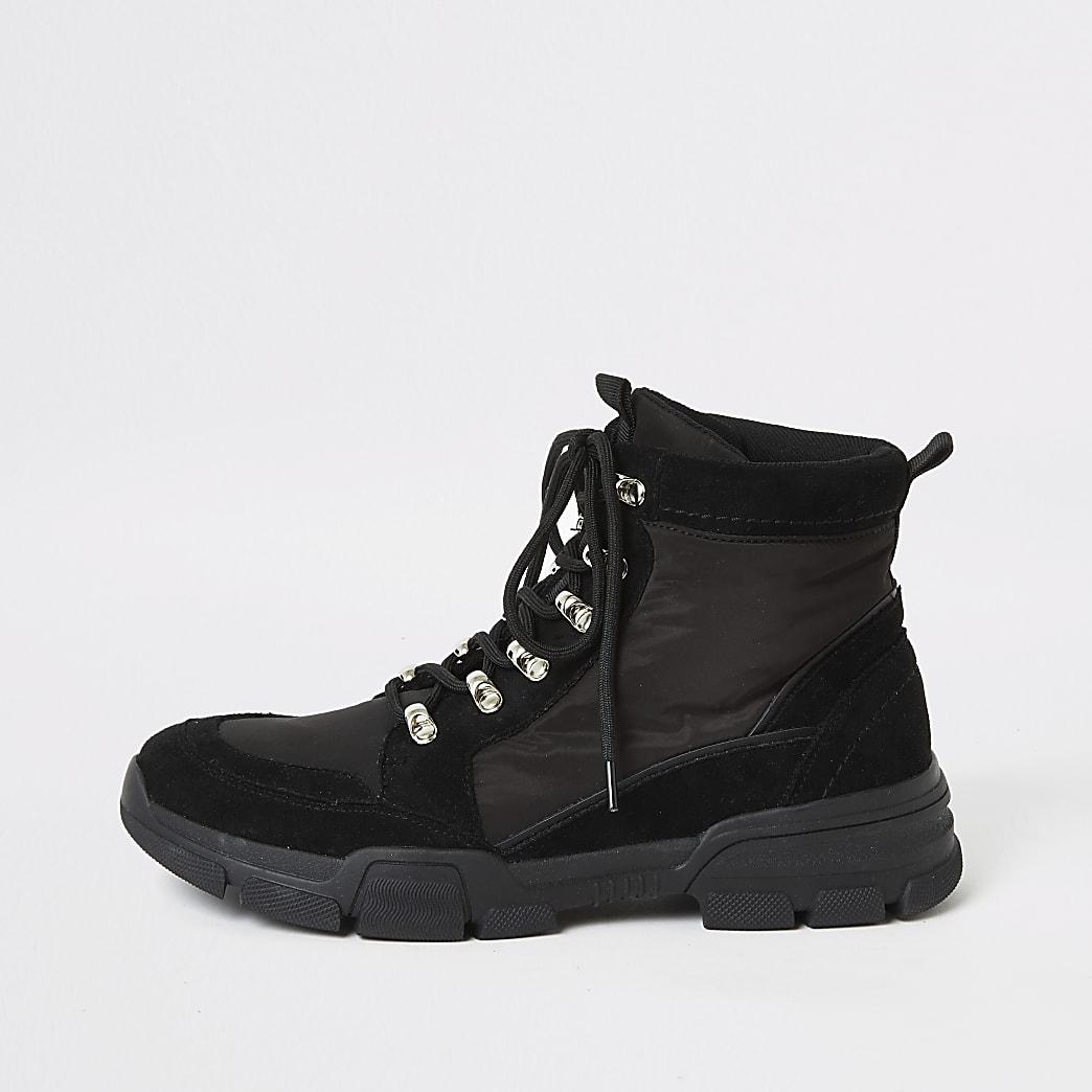 Zwarte hoge veterschoenen