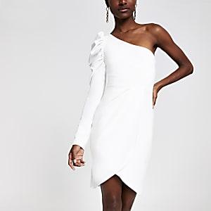 Robe ajustée blanche asymétrique