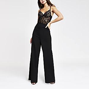 Combinaison noire avec corset en dentelle