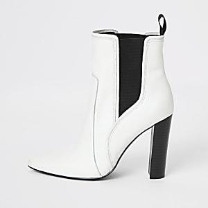 Weiße, spitz zulaufende Stiefel aus Leder im Western-Stil
