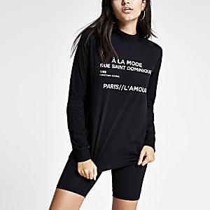 Schwarzes, hochgeschlossenes Sweatshirt