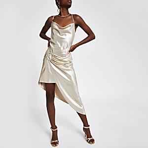 Robe asymétrique dorée