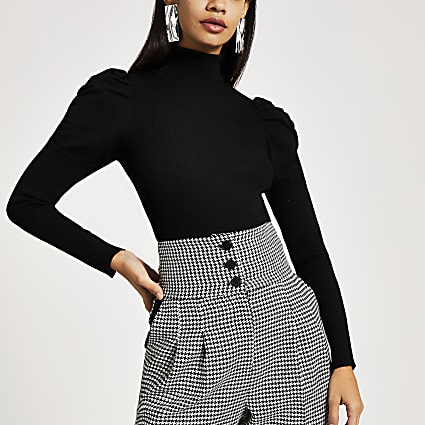 Black roll neck puff sleeve knitted top