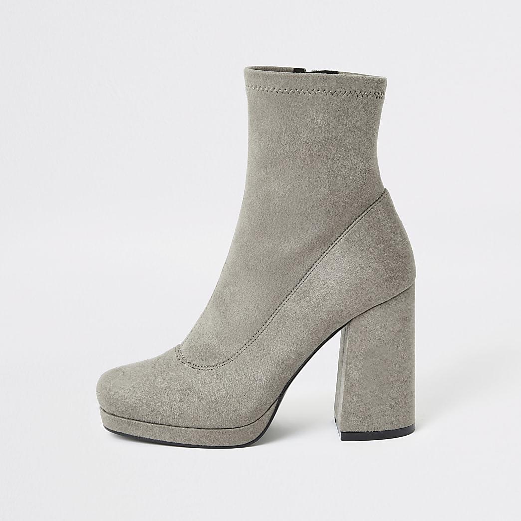 Bottes chaussettes grises à talon carré
