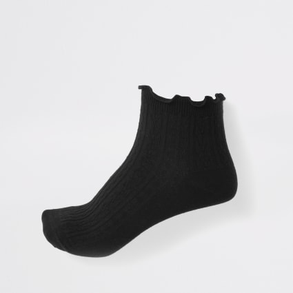 Black frill ankle socks