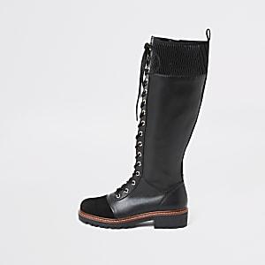 Flache Overknee-Stiefel zum Schnüren in Schwarz