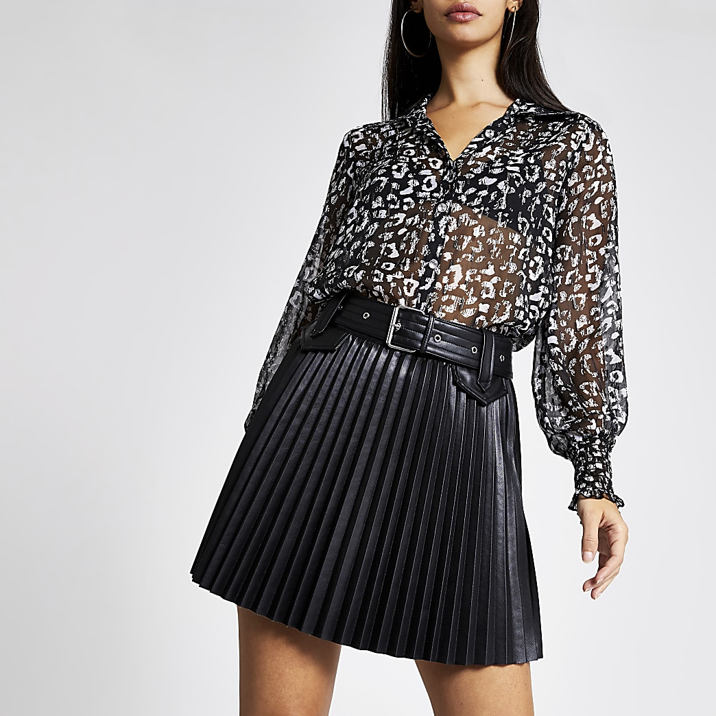 Black faux leather belted pleated mini skirt