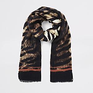 Beige sjaal met tijgerprint