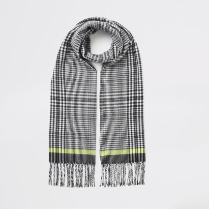 Black check print tassel trim scarf