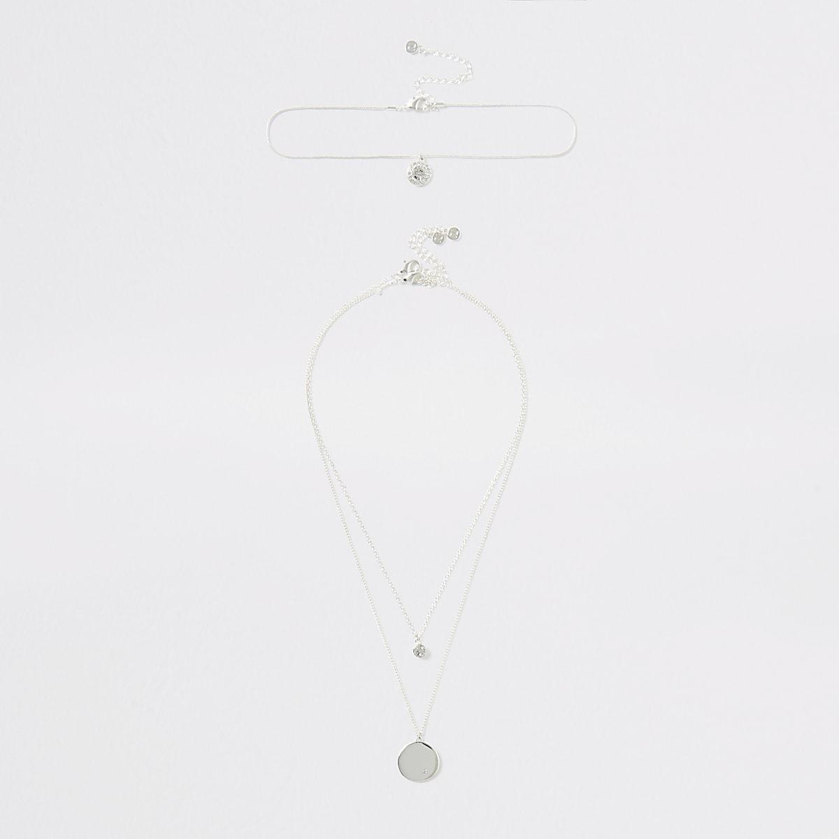 Zilverkleurige gelaagde ketting met hanger bezet met kristal