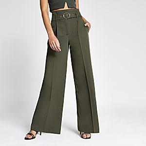 Hose in Khaki mit weitem Bein und Gürtel