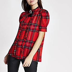 Rote, mit Rüschen verzierte Bluse mit Kragen und Karomuster