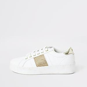 Weiße Sneakers mit Strasssteinen und Streifen