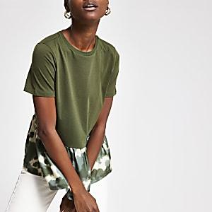 T-shirt motif camouflage kaki à ourlet péplum