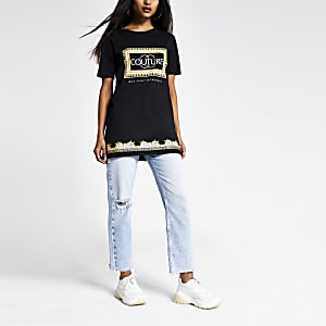 RI Petite - Zwart ruimvallend T-shirt met print