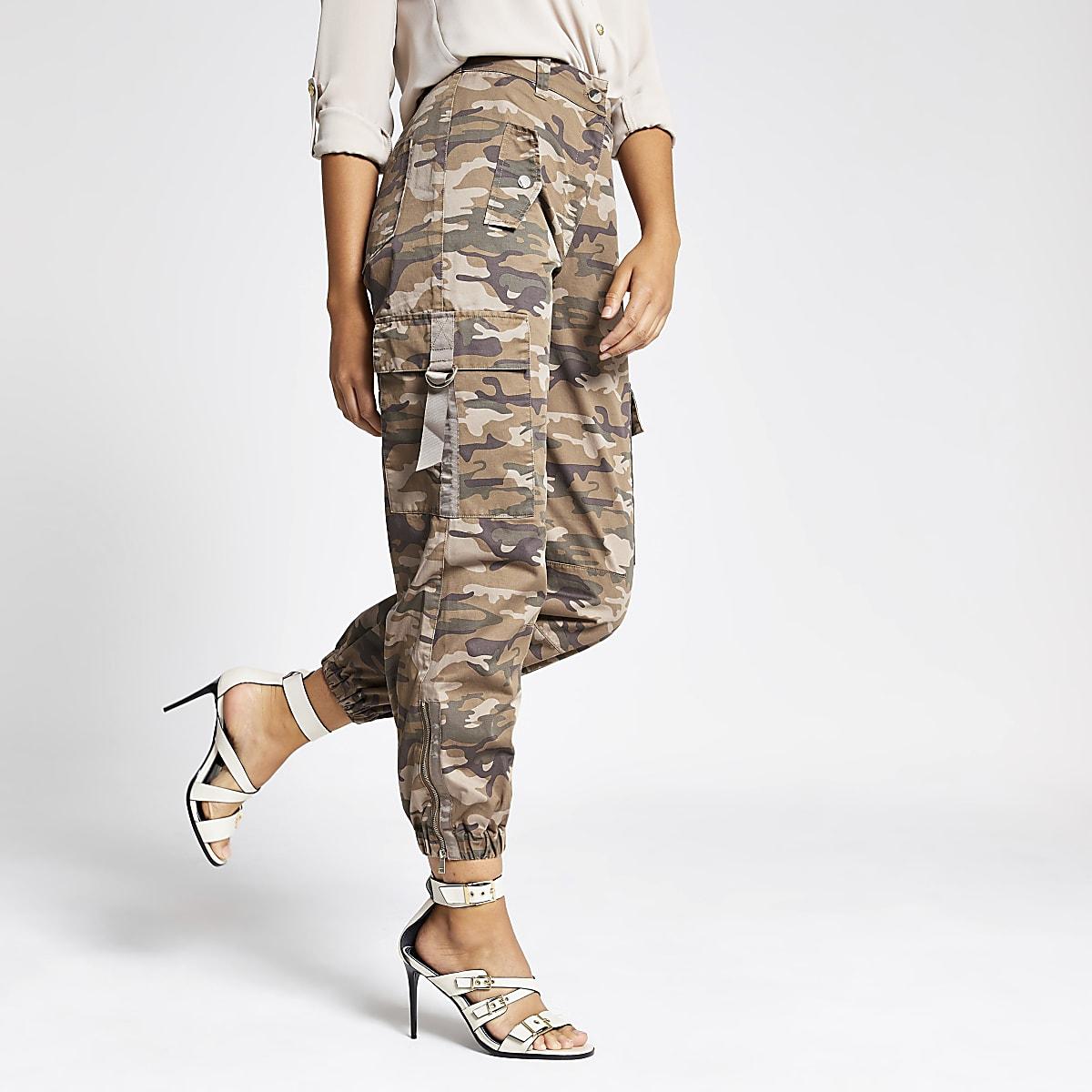 Beige utility broek met camouflageprint