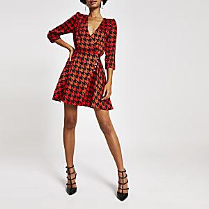 Red dogtooth check print wrap dress