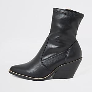 Schwarze Stiefel im Westernstil mit Absatz und weiter Passform