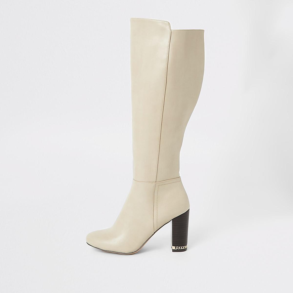Beigeover-de-knie-laarzen met blokhak