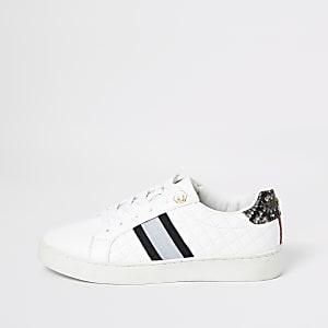 Gesteppte Sneaker mit Schnürung in Weiß