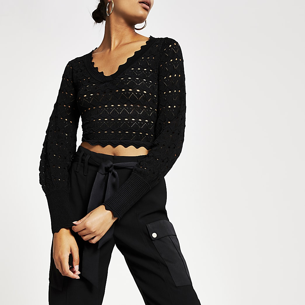 Black knitted long sleeve V neck crop top