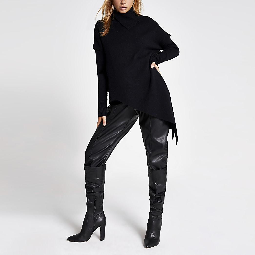 Zwarte asymmetrische pullover met col en lange mouwen