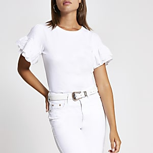 T-shirt blancà a manches évasées avec broderie anglaise et volants