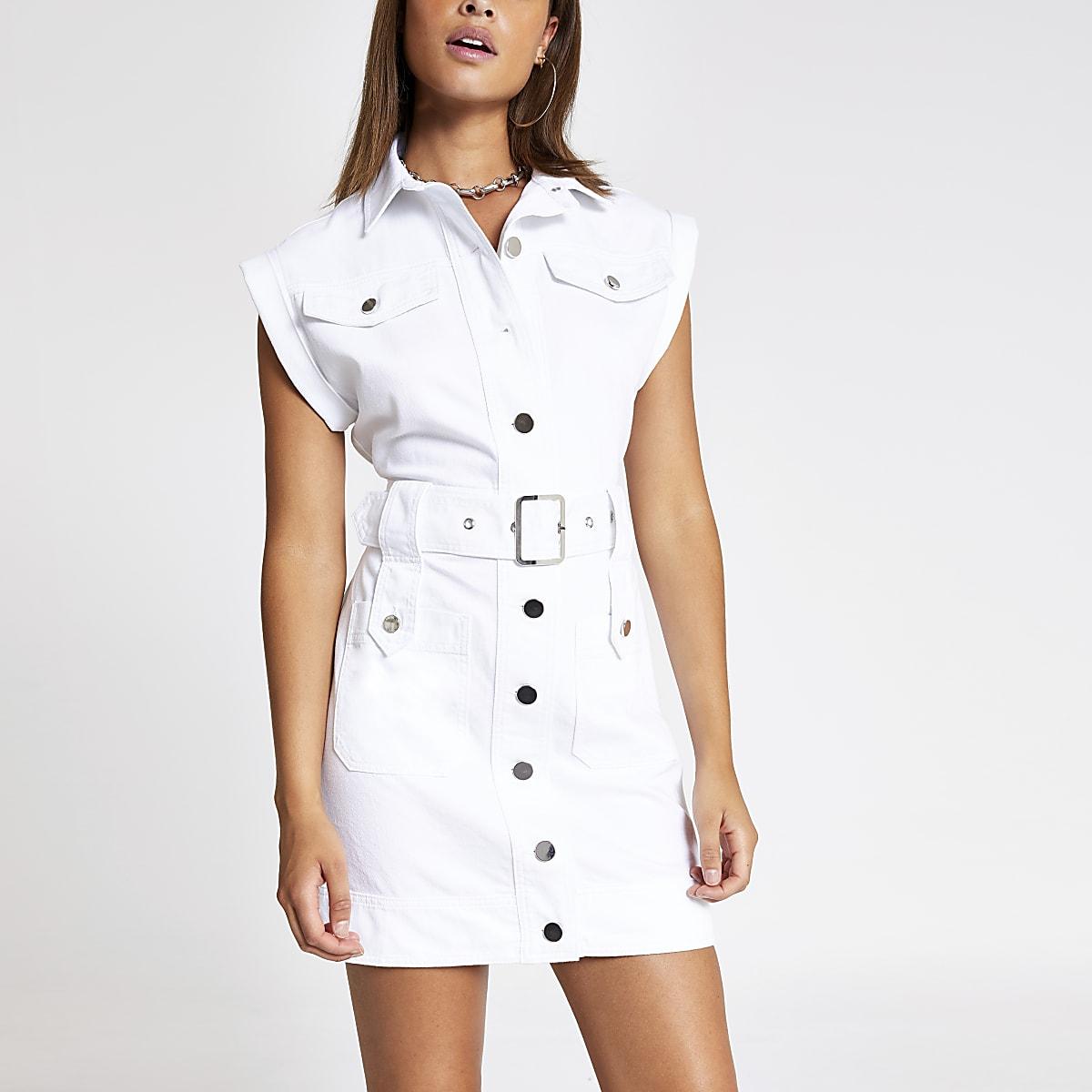 Robe en denim mi-longue blanche à ceinture