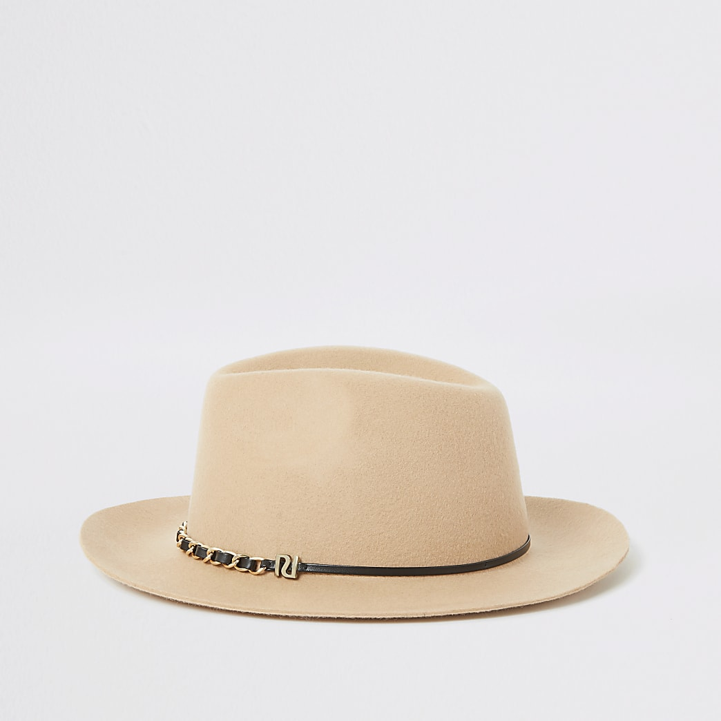 Beige chain trim fedora hat