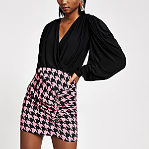 Pink dogtooth check wrap skirt