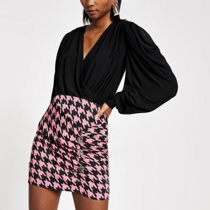 Pink dogtooth check wrap skirt