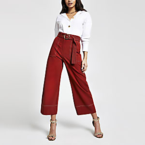 Rostrote Hose mit weitem Beinschnitt