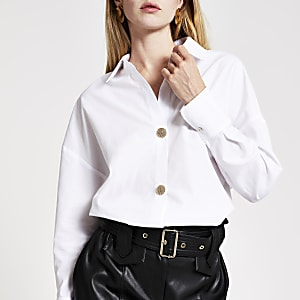 Weißes Hemd mit Knopfverschluss vorne