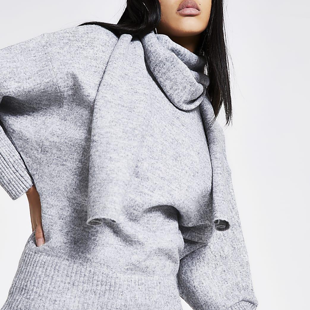 Grijze pullover met sjaalkraag en lange mouwen