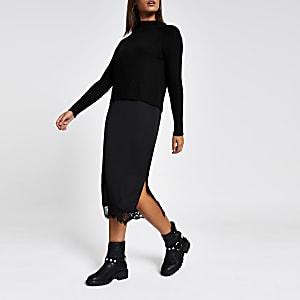Schwarzes Midi-Pulloverkleid aus Satin mit Spitzenrand