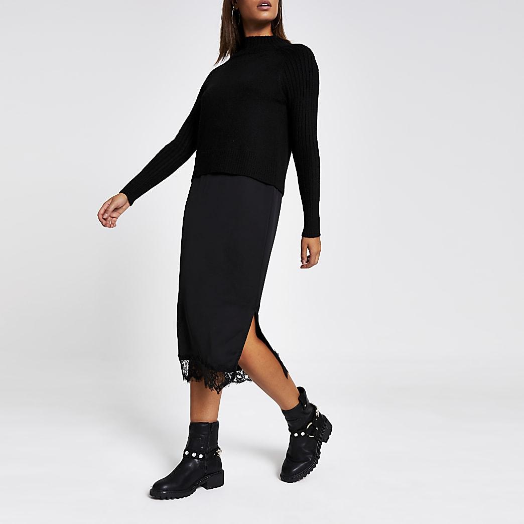 Zwarte satijnen midi trui-jurk met kant