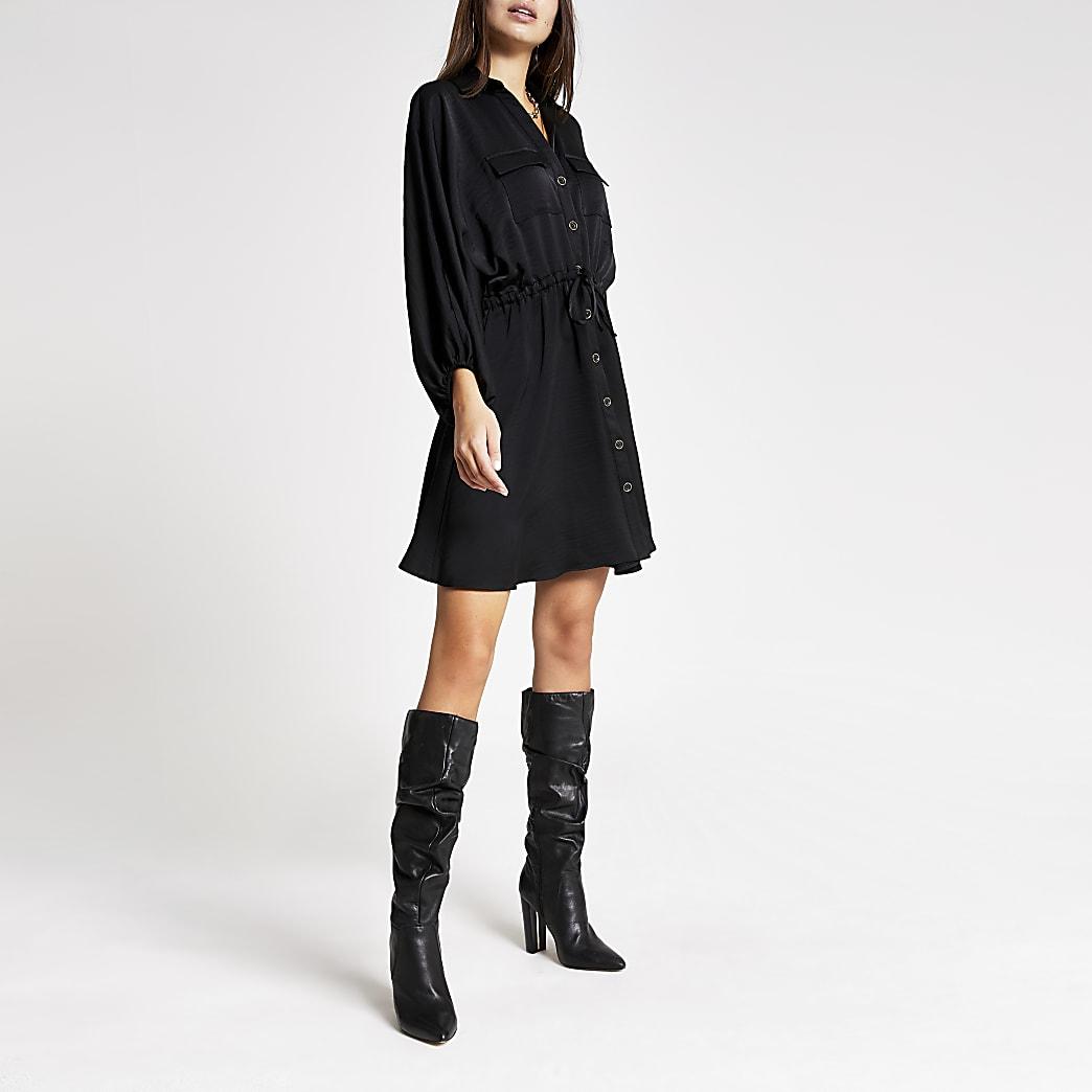 Mini robe chemise cintrée noireà manches longues