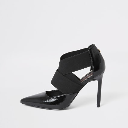 Black elastic strap court shoe