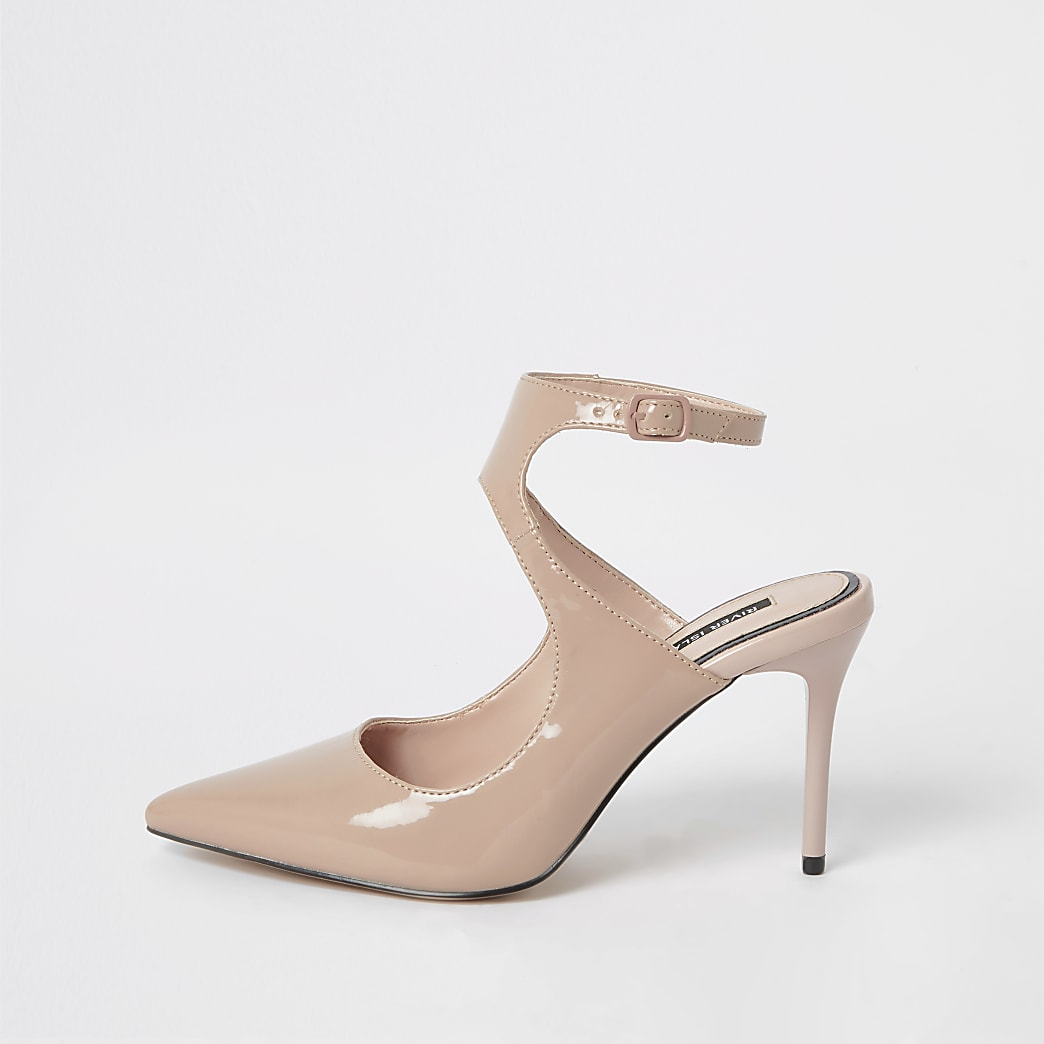 Light pink patent cut out court shoe
