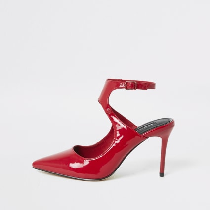 Red patent cut out court shoe