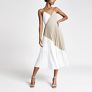 Beige geplooide midi-jurk met kleurvlakken