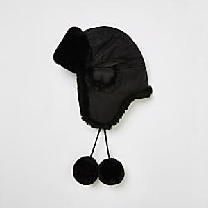 Schwarze Pilotenmütze mit Kunstfellfutter