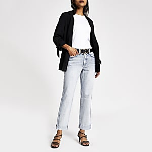 Petite– Hellblaue Mom-Jeans mit hohem Bund